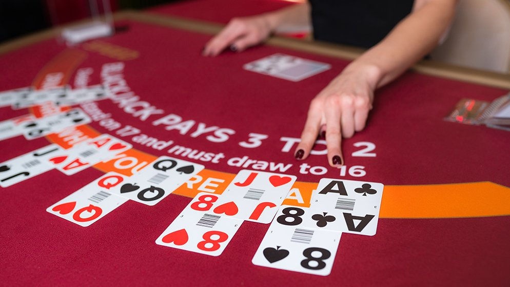 Side Bets in Blackjack: Should You Take Your Chances?